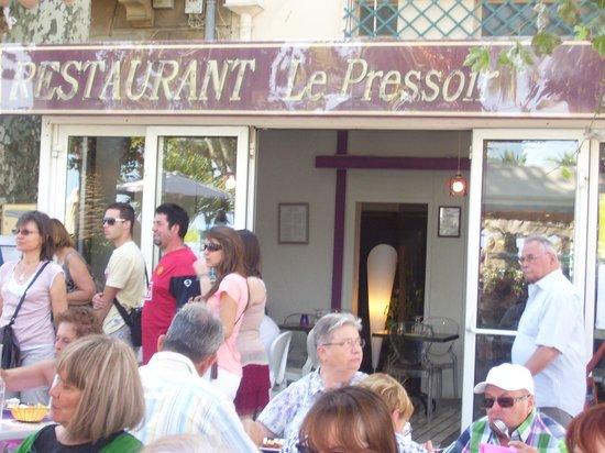 Entree du restaurant le pressoir photo de le pressoir for Le pressoir restaurant