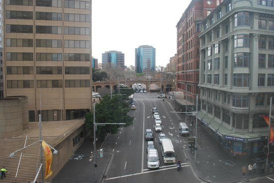 The Great Southern Hotel : George Street view by day - Central Station at overpass