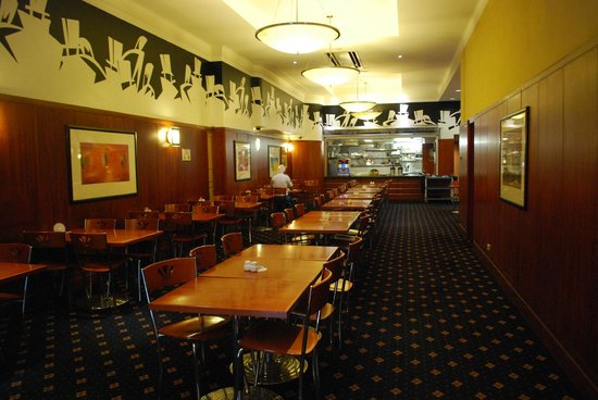 The Great Southern Hotel : part of the large dining room