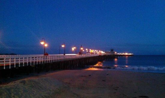 Santa Cruz Main Beach: Foot Bridge