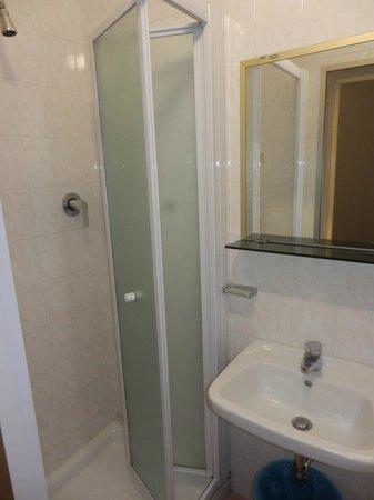 Hotel Parigi: Bagno
