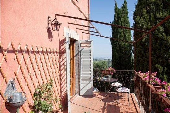 Villa Alba: Vue de la terrasse (de la cuisine) située au premier étage