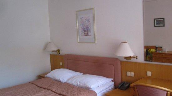 Hotel Kompas: Bed
