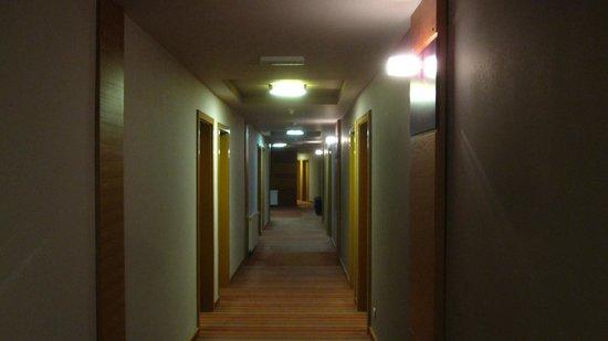 Hotel Kompas: The hall
