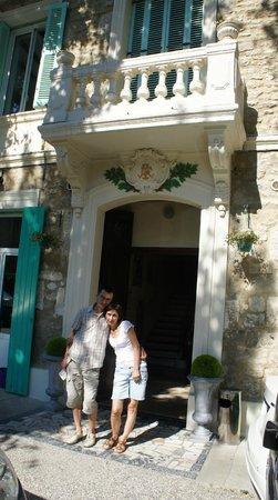 Avignon Hotel Monclar : Старый Отель / Главный вход