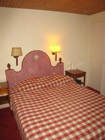 Hôtel Croix-Blanche: lit