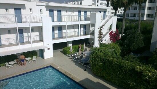 Nissi Park Hotel : бассейн