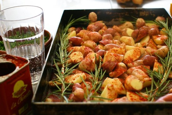 Demuths Cookery School: Potatoes ready for roasting