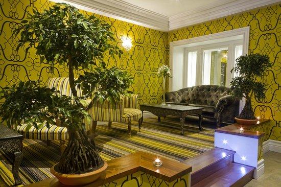 Impressive Westcourt Hotel Lobby