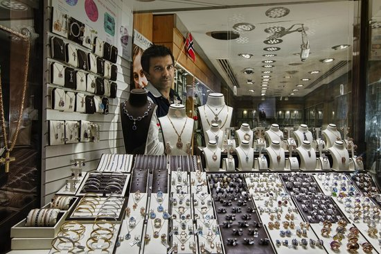 Gold and Spice Souk: mr suneil, Mamiya jewellers ( Deira Gold Souk)
