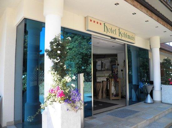 Kohlmais: Main Door