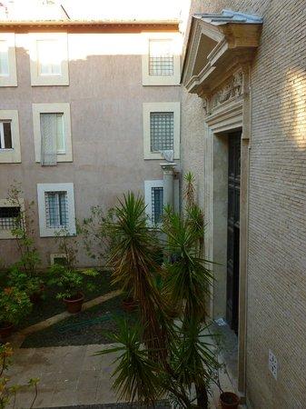 Hotel Santa Prassede: Vistas desde la ventana de la habitación