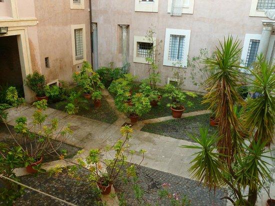 Hotel Santa Prassede : Vistas desde la habitación (Iglesia de Santa Prassede)