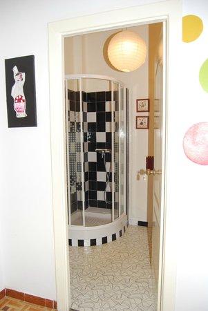 Russafa Youth Hostel: Baño