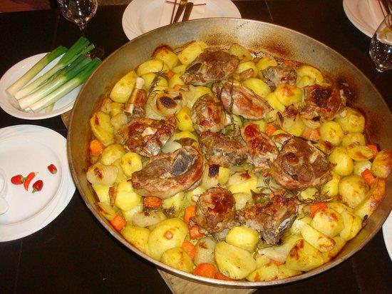Restaurant Orca: janjetina ispod peke
