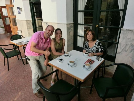 Arcos de Montemar: coffee with new management!