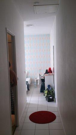 Hotel Saint Charles : couloir de la chambre
