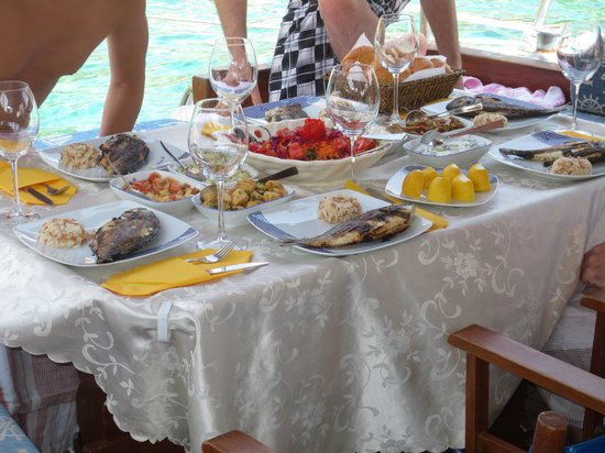 Boat Trips by Captain Ergun : The amazing food