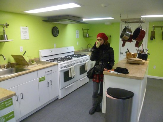 Apple Hostels Philadelphia : in the kitchen