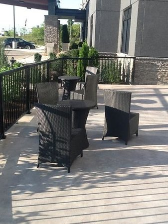Holiday Inn Express Pembroke: out door deck for pool