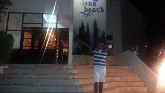 Elena Beach Hotel: facciata dell hotel