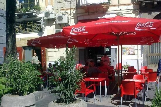 Pizzeria Oliva Corso Garibaldi: Esterno pizzeria