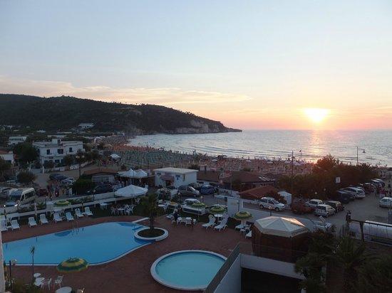 Morcavallo Hotel: panorama dalla nostra camera al tramonto