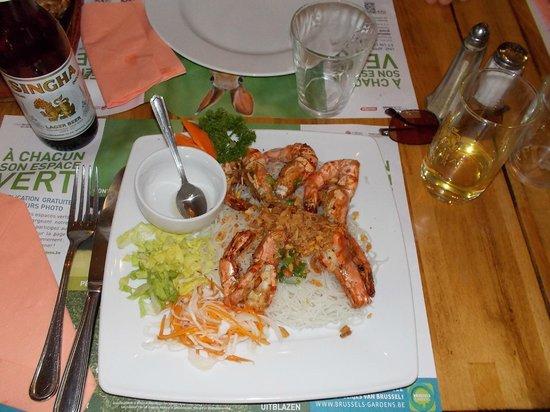 Boniface d'Asie: Gamberi con frutta secca e vermicelli