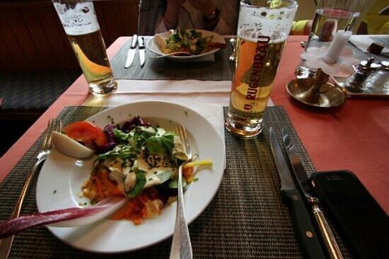 Gasthof Hirschen: HIRSCHEN 레스토랑 샐러드..