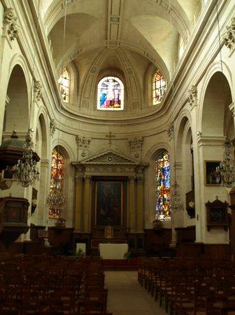 L'Eglise Notre-dame De Chantilly