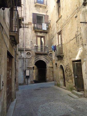 Centro Storico : Scoscio palazzo Tarsia