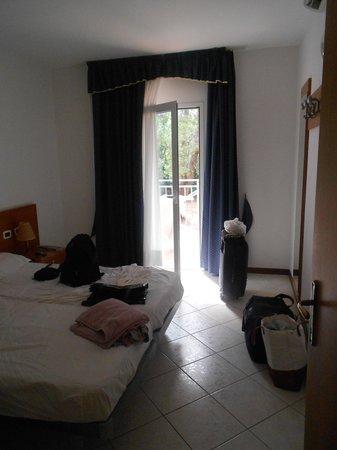 Ai Pini Resort Medulin: Camera matrimoniale