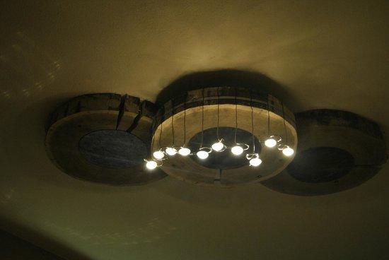 lampadario originale : lampadario originale: fotograf?a de Al Solito Posto, Breuil-Cervinia ...
