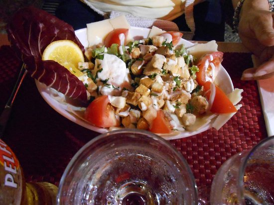 Pizzeria Vesuvio: Salat