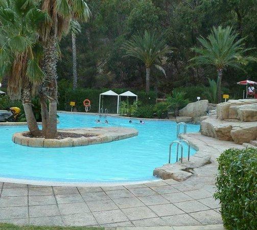 Marconfort Altea Hills : Detalle piscinas exteriores