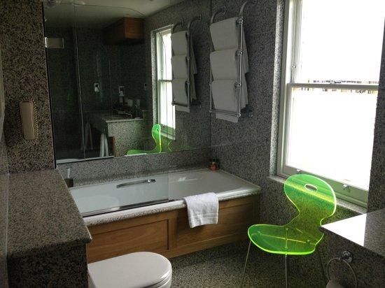 Knightsbridge Hotel: bagno