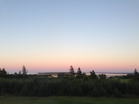 Dreamweavers Cottages and Vacation Home: Sunset view from Country Escape house