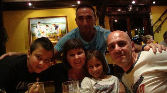 Restaurant Pizzeria El Vesubio: Con unos amigos