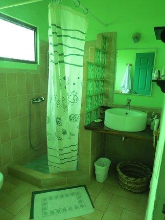 La Casa de las Flores Hotel: bagno