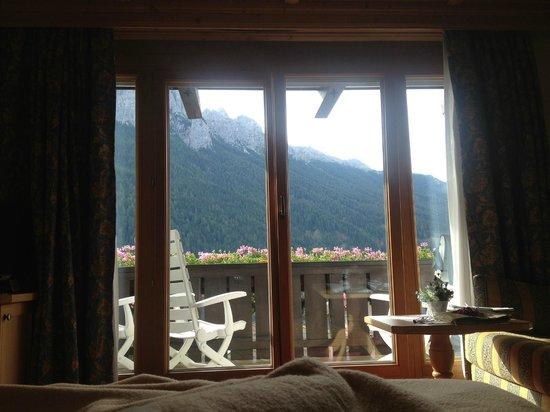 Alpen Hotel Corona Sport & Wellness: vista dal Letto..