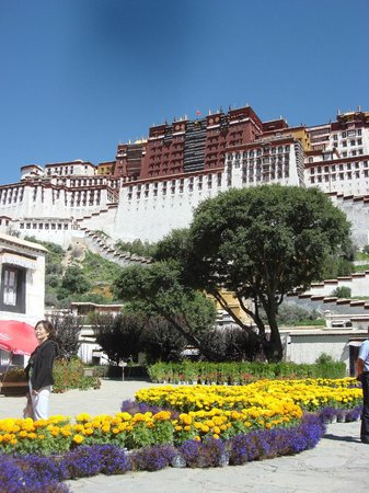 Trekking Team Pvt. Ltd. - Day Tours: Potala Palace