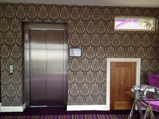 Talbot Hotel: hallway