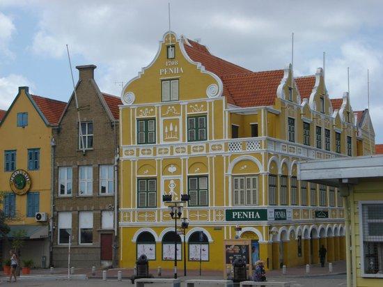 Renaissance curacao resort and casino