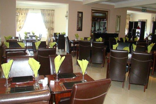 The Promenade Hotel: Resturant