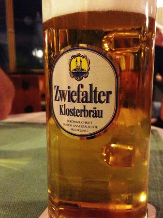 Zur Frohen Aussicht: Meckatzer Bier mit Hopfen vom Hof