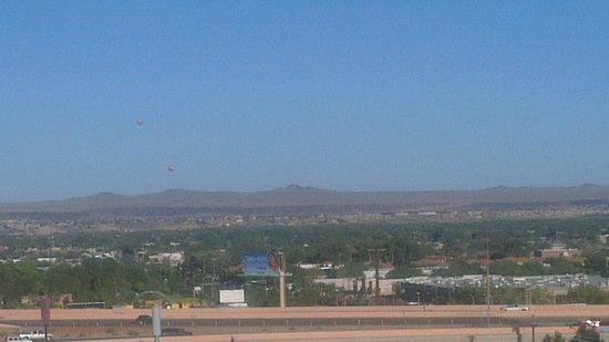 Crowne Plaza Albuquerque: Bonito horizonte visto desde el 10 piso