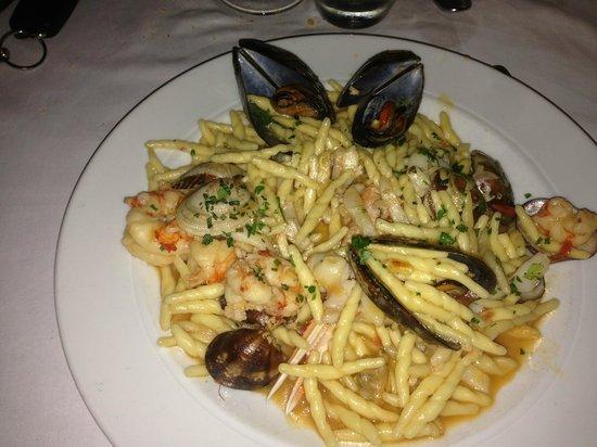 Trofie ai frutti di mare picture of ristorante la pergola santa maria al bagno tripadvisor - La pergola santa maria al bagno ...