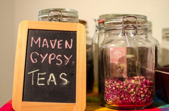 The Maven Gypsy Bed & Breakfast & Cottages: teas