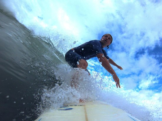 Hotel Perico Azul: Surf help from Michael!