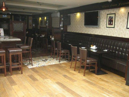 Dan Cronins Bar & Bistro: Interior of the restaurant